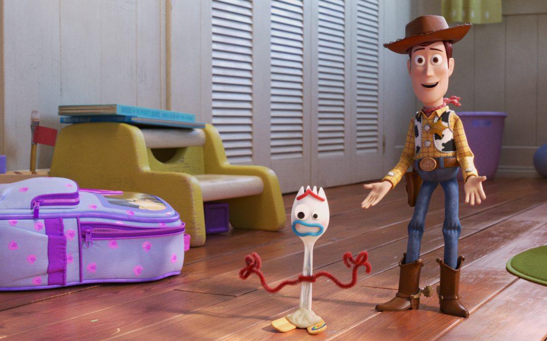 I giocattoli di Toy Story 4 vi aspettano al cinema