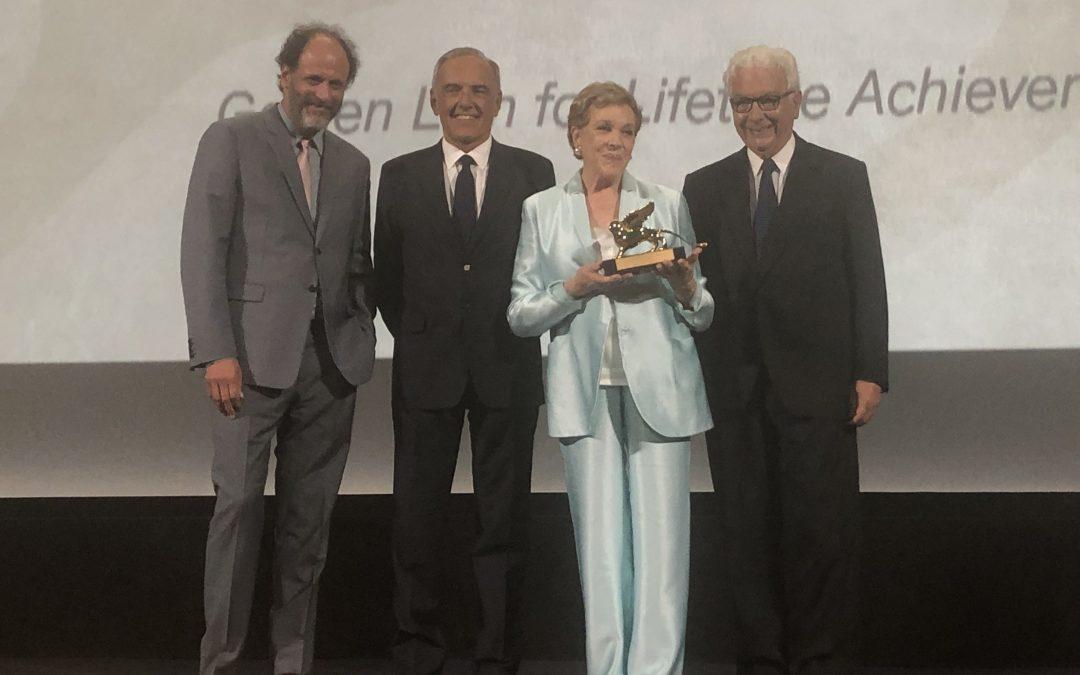 Julie Andrews riceve il Leone d'oro alla carriera